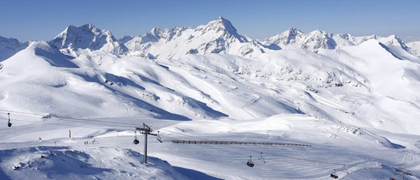 france_les-2-alpes_ski_lift.jpg
